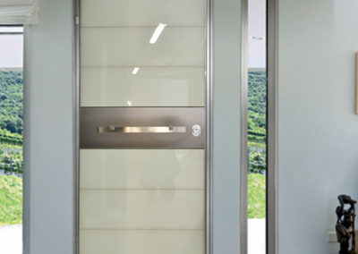 tsomidis-προσφορά-πόρτα